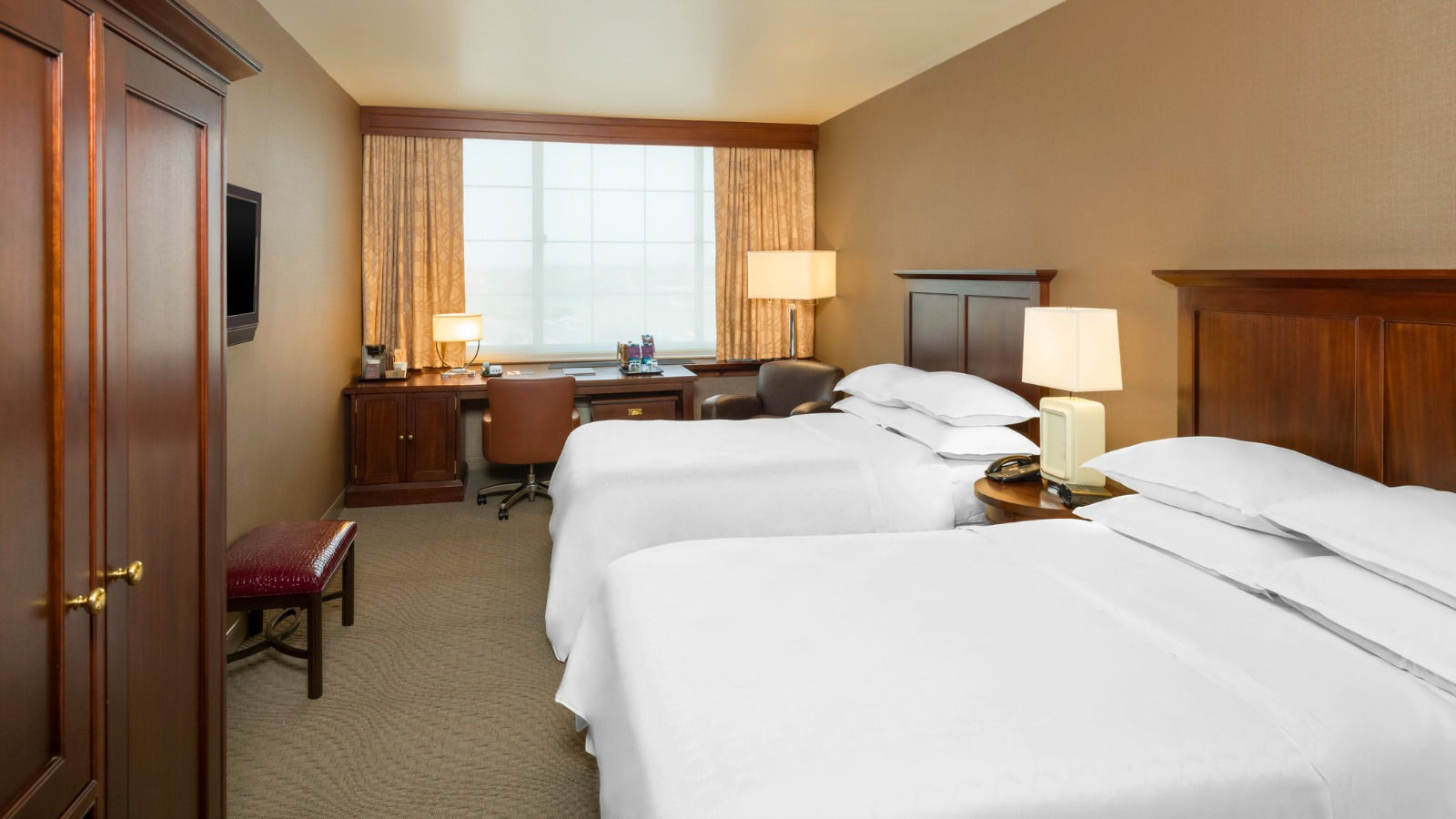 Sheraton JFK Airport Hotel | Rooms